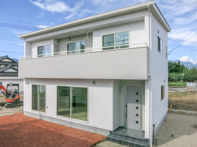 家事楽と充実収納を目指した白い家