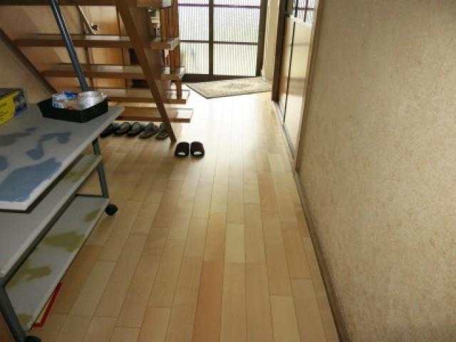 不安定だった廊下の床をリフォーム