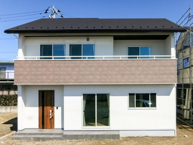 山梨市三ケ所 先進設備と豊富な収納の子育て住宅