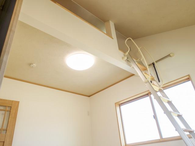 山梨市下神内川 キレイな空気に包まれた美容室併設の注文住宅
