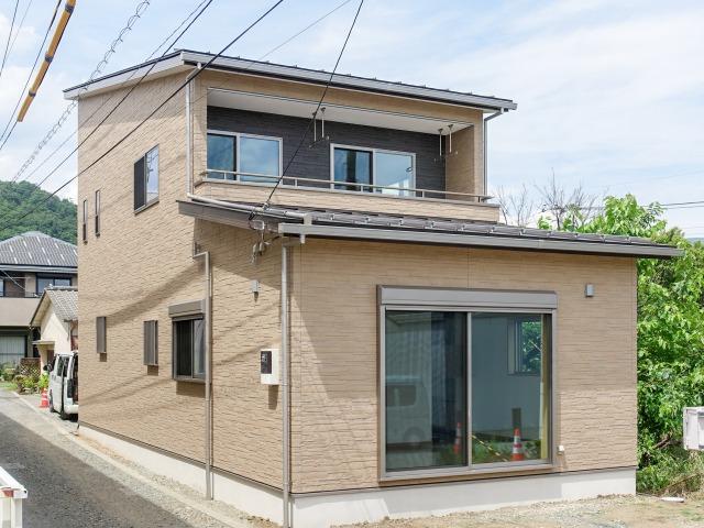 甲州市塩山 収納充実でコンパクトな生活優先住宅